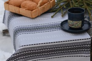 Kaihlalahti Clothing Uusi Suomussalmi keittiöpyyhe pienellä kuviolla