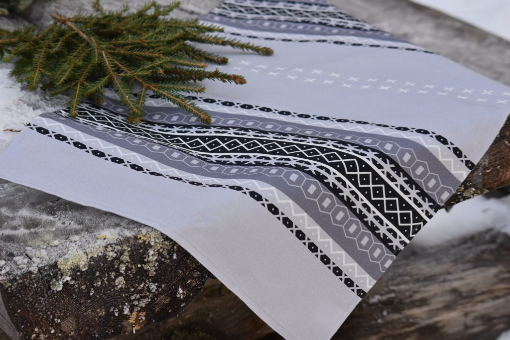 Kaihlalahti Clothing Uusi Suomussalmi pieni liina keittiöpyyhe iso kuvio kuva1