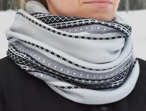 Kaihlalahti Clothing Uusi Suomussalmi -kuosinen pitkä tuubihuivi